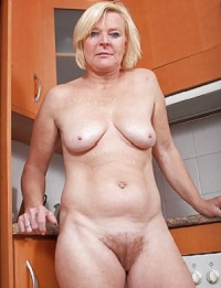 Visit Nude Mature Moms.