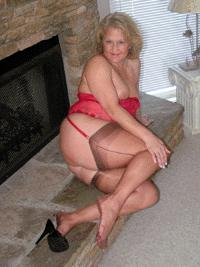 Visit Mature Amateurs in Stockings.