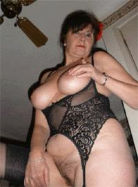 Visit Mature Hot Moms.